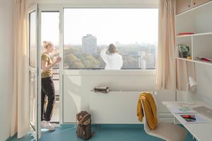 Die kleinen Einzelzimmer mit 10m<sup>2</sup> Fläche blieben als kostengünstige Wohneinheiten für Studierende größtenteils auch nach der Sanierung erhalten
