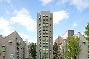"""""""Anything Goes? Berliner Architekturen der 1980erJahre"""", noch bis zum 16.8.21. Ein Ausstellungsprota-gonist: der Kreuzberg Tower von John Hejduk 1987"""