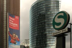 Bahntower mit Sony-Center am Potsdamer Platz