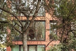 Der Staatspreis wird alle zwei Jahre für herausragende baukulturelle Leistungen vergeben und ist die bedeutendste Auszeichnung für Architekten in Deutschland