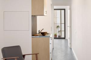 Blick in ein Einzelapartment mit 30m² für eine Person oder ein Paar. Die Doppelapartments für eine Familie mit bis zu vier Personen sind 60m² groß