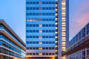 Jetzt Hotel: der ehemalige Commerzbank-Turm in Düsseldorf