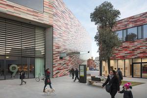 Zum Zeitpunkt der Planung des Museums M9 in Mestre gehörte die Autorin dem Architekturbüro Sauerbruch Hutton an, für das sie die ersten Detailskizzen zum Projekt angefertigt hat