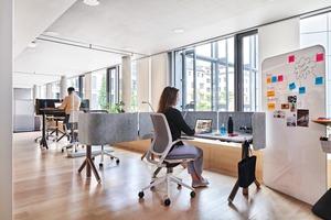 Flexibel anpassbare Büromöbel erleichtern die Arbeitsplatzgestaltung