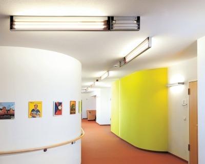 Farben Spielen Für Demenz Erkrankte Eine Große Rolle: Sie Geben Dem Gebäude  In Allen