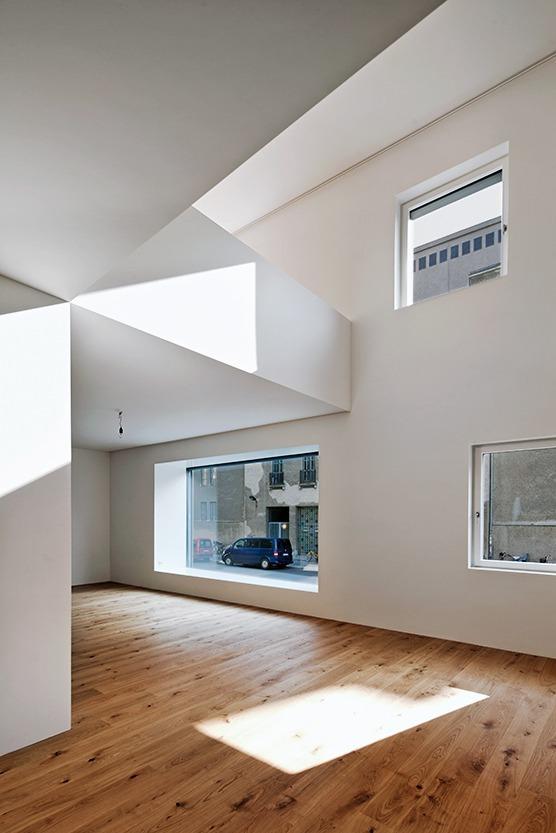 Modernes Stadthaus in alter Kulisse Mehrfamilienhaus mit Galerie ...