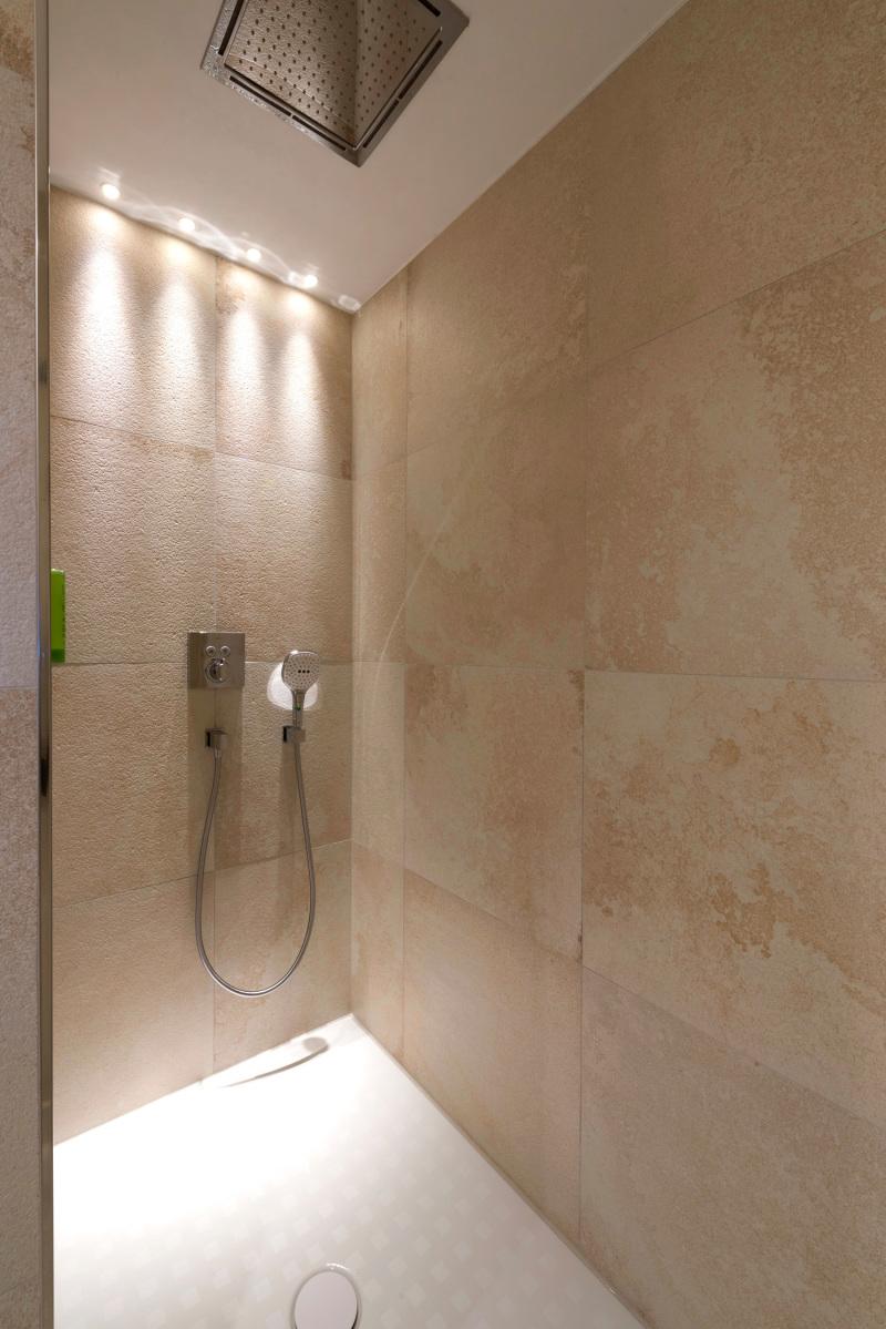 solnhofener platten im badezimmer, deutsche bauzeitschrift, Innenarchitektur