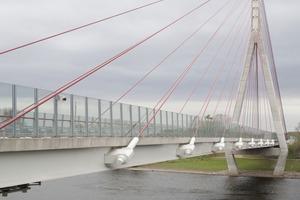 Elbebrücke Niederwartha bei Dresden. Hauptspannweite 192 m, Fertigstellung 2009.<br />Planer: LAP, Dresden