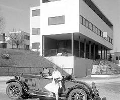Le Corbusier und das Auto und das Bauen ... Männerdomänen damals; und heute? (Doppelhaus, Weißenhof, Stuttgart)