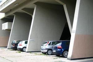 Unité d'Habitation de Marseille ... in den vierziger Jahren schon mit Auto gedacht ...