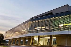SMA Solar Academy – Stromnetz unabhängig betrieben. Architekt: Günter Schleif, HHS, Kassel; Energiedesign: MNF, energiedesign, Braunschweig; Monitoring / Betriebsoptimierung: IGS, TU Braunschweig<br />