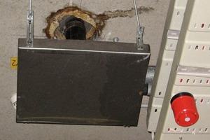 Bild 2: Schadensbild bei einem Deckendurchbruch im Untergeschoss<br />