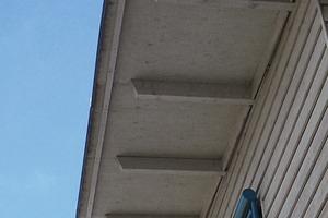 Bild 1: Dachuntersicht beim Hauptgebäude (Süd-Ost-Ecke)<br />