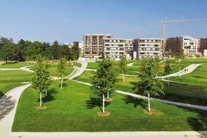 Unweit der Weißenhof-Siedlung, der Akademie der Bildenden Künste und des Höhenparks Killesberg entstand das Stadtquartier Killesberghöhe, ein Gemeinschaftsprojekt der Büros Ortner und Ortner, KCAP Architects, Baumschlager Eberle, David Chipperfield Architects sowie Höhler und Partner