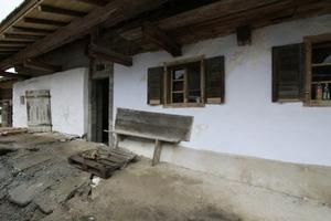 Teil des Ensembles: das Waldlerhaus, ebenfalls von Peter Haimerl Architektur umgebaut. Innen: Dämmbeton