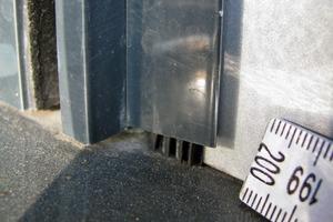 Bild5: Gleitende Lagerung der Lisene bei der Rollladenführungsschiene