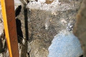 Bild 11: Abdichtungsabschluss bei der Prüfstelle an der Trennwand