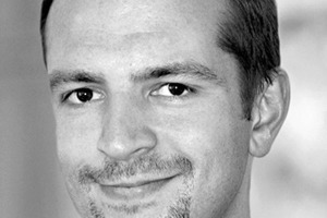 """<div class=""""autor_linie""""></div><div class=""""dachzeile"""">Autor</div><div class=""""autor_linie""""></div><div class=""""fliesstext_vita""""><span class=""""ueberschrift_hervorgehoben"""">Patrick Theis</span> ist Partner und Geschäftsführer bei Drees &amp; Sommer. Seit 2003 ist Theis für das Projektmanagement und Beratungsunternehmen tätig, seit 2006 verantwortet er als Geschäftsführer den Bereich Strategische Prozessberatung. In zahlreichen Projekten hat der Experte den Lean-Management-Ansatz zur Effizienzsteigerung zusammen mit den Kunden umgesetzt.</div><div class=""""autor_linie""""></div><div class=""""fliesstext_vita"""">Informationen unter: <a href=""""http://www.dreso.com"""" target=""""_blank"""">www.dreso.com</a></div>"""