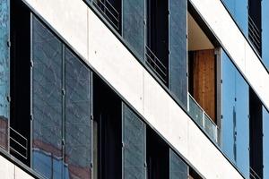 Durch das Plus im Gebäudebetrieb wird ein leicht negatives Treibhauspotential erreicht, das die Primärenergieaufwendungen für die PV kompensiert