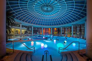 Abb. 2: Caracalla Therme, Baden-Baden (Entwurf Architekt Hans-Dietrich Hecker): Eine zeitlose Gestaltung garantiert den nachhaltigen Erfolg eines Schwimmbads
