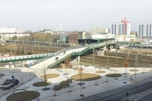 S-Bahnhof Wilhelmsburg und Fußgängerbrücke