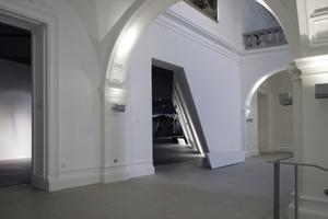 Aus dem historischen Treppenhaus geht es zurück in den Keil; oder weiter nach oben