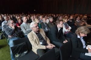 """Veranstaltungsort für die 280 Teilnehmer war das """"Empire Riverside Hotel"""" in Hamburg"""