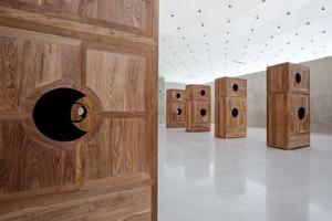 Ai Weiwei, Moon Chest, 2008 (Huanghuali-Holz, 8 Teile)
