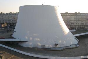 """Eine Arbeit im Exil: das Maison de la Culture, """"Le volcan"""", Le Havre"""