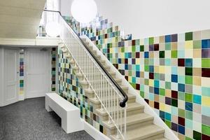 Ein weiteres Projekt der Architekten: Das Treppenhaus einer Direktorenvilla-mit dem gesamten Farbspektrum historischer Craquelé-Fliesen verkleidet<br />