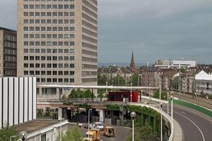 Das Tor Nord der Messe Frankfurt a. M. im Verkehrsgeflecht