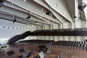 2013 Umbau und Erweiterung des Lessinggymnasiums. Die auch als Aula dienende Turnhalle (60er Jahre) ist konstruktiv sowie ästhetisch der Höhepunkt einer sonst eher anspruchslosen Architektur