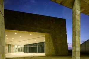 Bibliotheksgebäude von außen<br />