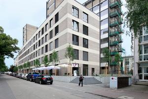 Das von Forster Architekten umgebaute Philosophicum vom Ferdinand Kramer an der Gräfstraße in Frankfurt a. M.