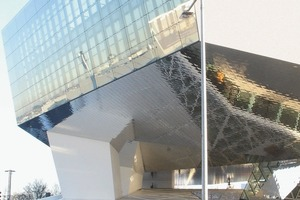 Draußen kaufen,innen schauen:Porsche Museum, Ansicht von Norden