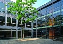 Gesamtsanierung der denkmalgeschützten Grundschule Rolandstraße, Düsseldorf - Legner + van Ooyen Arbeitsgemeinschaft freier Architekten BDA, Moers/Straelen