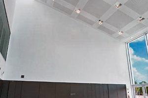 Abb. 7: Akustikdecke über dem Foyer des Neubaus der Hochschule für Musik, Karlsruhe
