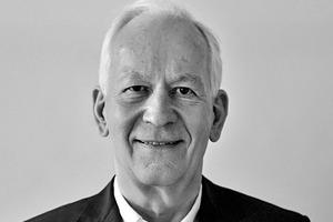 """<div class=""""fliesstext_vita""""><strong>HENN</strong><br />Prof. Dr. Gunter Henn</div><div class=""""fliesstext_vita""""></div><div class=""""fliesstext_vita"""">1947 in Dresden geboren, studierte Gunter Henn an der TU Berlin, der Eidgenössischen Technischen Hochschule (ETH), Zürich/CH und der TU München, an der er 1975 promovierte. 1979 gründete Gunter Henn sein Architekturbüro in München, weitere Standorte sind heute Berlin und Peking/CN. </div>"""