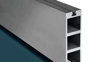 Multitechnologie-Profil mit mehreren Kammern, nutzbar als Vor- und Rücklauf für Heizkreisläufe mit zusätzlich erweiterbarem und verschließbarem Funktionskanal für Kabelführungen