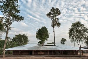 TYIN tengueste bauten innerhalb von drei Monaten mit Hilfe von lokalen Arbeitern das Schulungszentrum