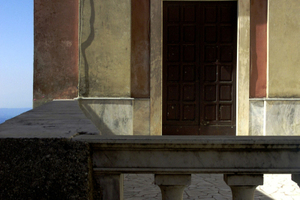 Manchmal sind Ort und Bau Sehnsuchtsstellen im Leben. Schule in Italien