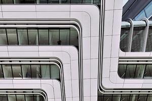 Fassadendetail Universität Wien: Glasfaserbeton-Fertigteile