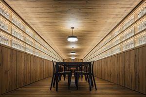 Kategorie Shopbeleuchtung: St. Jodern Kellerei Lichtplanung: Reflexion AG, Zürich/CH (Thomas Mika, Arno Lampe) Architektur/Innenarchitektur:bauAtelier12, Visp (Foto: Thomas Andenmatten)