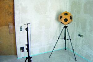 Sende- und Empfangsgerät für schalltechnische Messungen auf der Baustelle