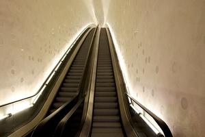 Die Tube bringt die Gäste zur Plaza und weiter: Fahrtzeit bis oben ca. 5 min mit Umsteigen