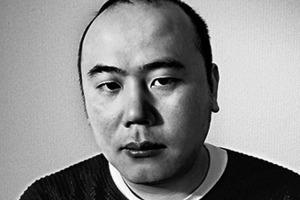 """<div class=""""fliesstext_vita""""><strong>Daisuke Sanuki</strong><br />1976geboren in Quang Binh, Vietnam<br />2002Bachelor Architektur am Nagoya Institute of </div><div class=""""fliesstext_vita"""">Technology/J<br />Seit 2006Architekt bei Vo Trong Nghia Co., Ltd. in Vietnam<br />2004Master im Bauwesen und Landschaftsplanung an der Universität in Tokio/J<br />2008-2009Lehrer an der Universität Tokio<br />2009-2011Partner bei Vo Trong Nghia Co., Ltd.<br />2011Gründung von S+Na Co., Ltd</div>"""