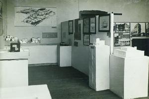 Raum der Architekturausstellung von 1923