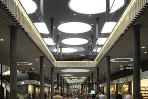 Die Mall überrascht mit einem sehr noblen, sehr eleganten, vor allem aber ungewöhnlich hellen Raum<br />