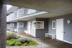 Leuchtdichtekontraste in den Wohngeschossen,  Gemeindezentrum St. Antonius, Stuttgart, LRO Architekten<br />
