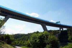 Brücke Lochkov, Prag - Ing. Arch. Patrik Kotas und Ing. Arch. Petr Safranek, Brünn